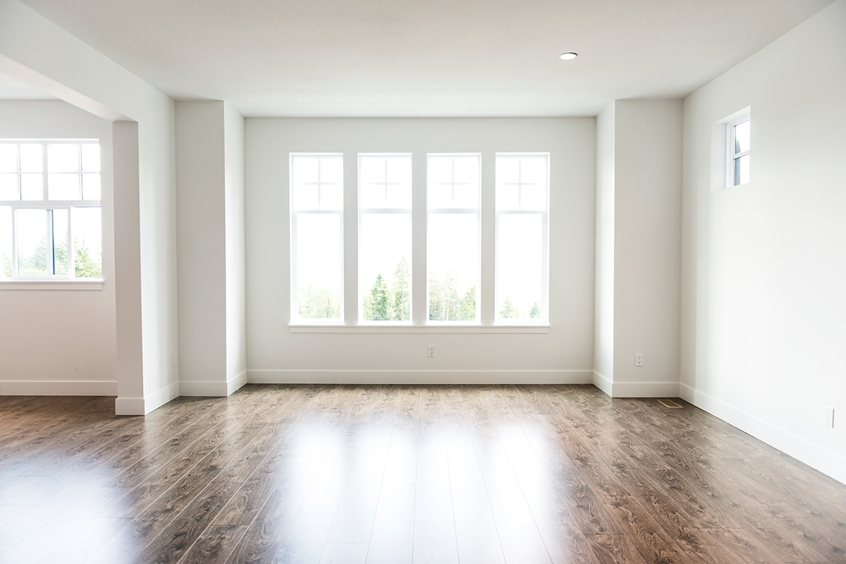 empty living room rental